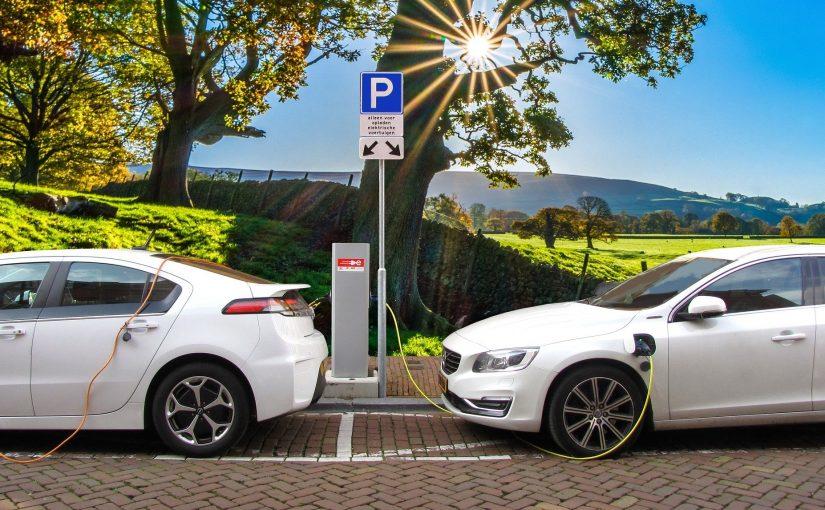אילו חברות הולכות להיכנס לתחום הרכבים החשמליים