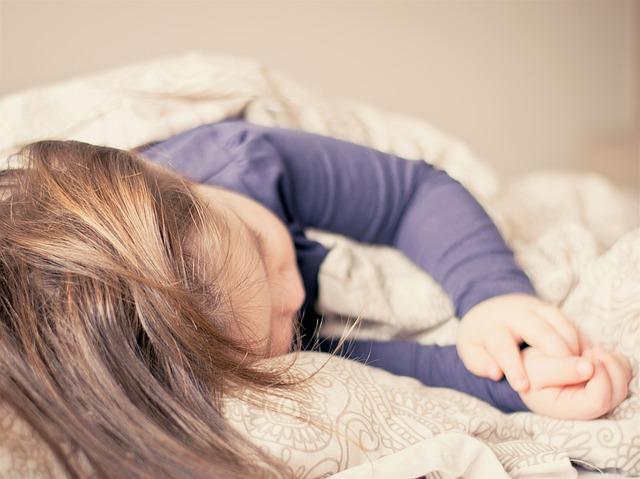 """ד""""ר קובי שגיא – האם להעיר ילד להתפנות באמצע הלילה"""