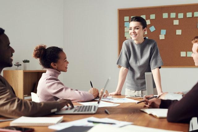 מה לומדים בקורס מנהלים?