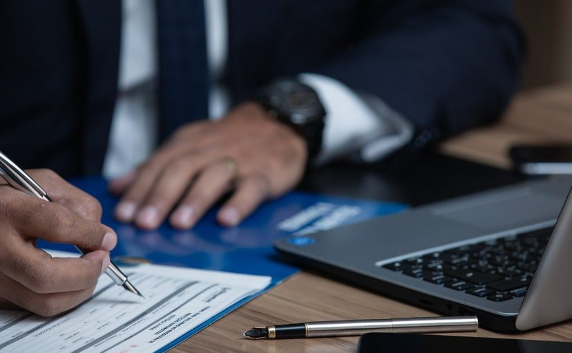 האם ניתן לבצע מחיקת חובות בהליך פשיטת רגל?
